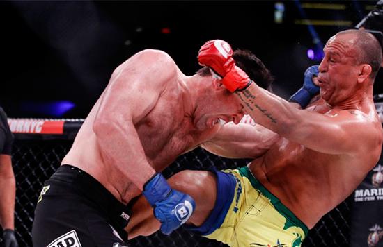 MMA: John Melina vomita a Lydell Miller en pleno combate (vídeo)