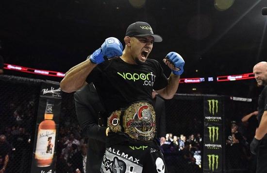 MMA: A Michael Chandler le quitaron la silla y…. (Vídeo)