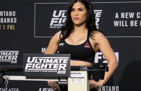 Rachael Ostovich en el pesaje de The Ultimate Fighter