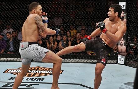 Noticias Kárate: ¿Cómo influye el Kárate en las MMA?