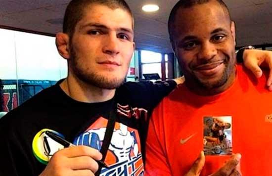 Nurmagomedov con Cormier. Los dos campeones de la UFC