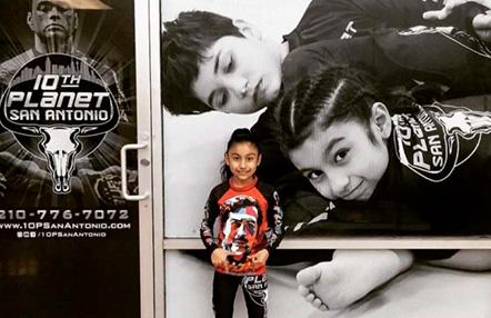 VÍDEO: La niña que se ha hecho viral por su dominio en el Jui-Jitsu