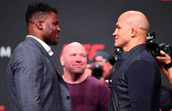 Francis Ngannou y Junior Dos Santos en el pesaje de UFC Fight Night