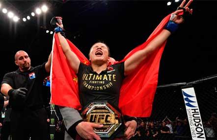 Weili Zhang noqueó a Jessica Andrade y ganó el cinturón de peso paja en UFC China