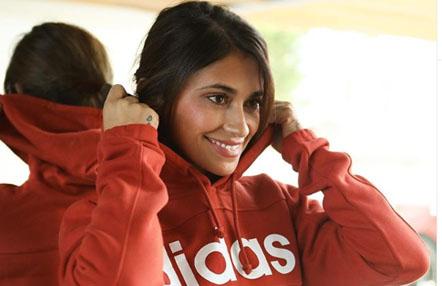 Antonela Rocuzzo, mujer de Leo Messi, se pasa al boxeo