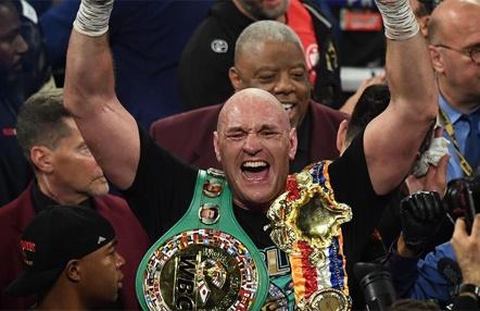 Tyson Fury asegura que le han propuesto pelear con Mike Tyson