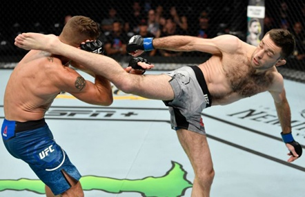 Ricardo Lamas se atereve con Ryan Hall en UFC Oklahoma City