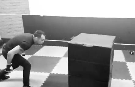 El entrenamiento de Tony Ferguson durante el aislamiento, ¿se puede ser más salvaje?