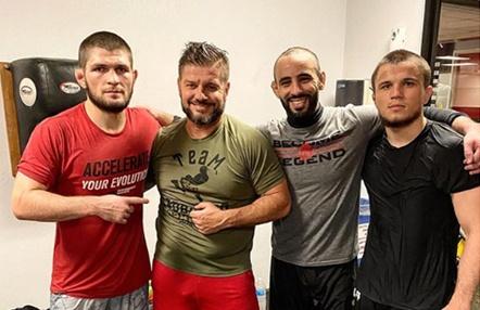"""Roberto Barreiro, entrenador de Ottman Azaitar (UFC 249): """"Khabib Nurmagomedov es un campeón con carisma"""""""