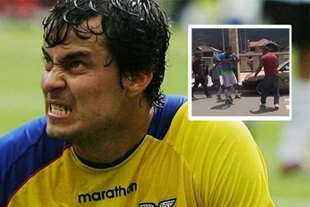 El exfutbolista Kaviedes deja KO a un hombre en plena calle