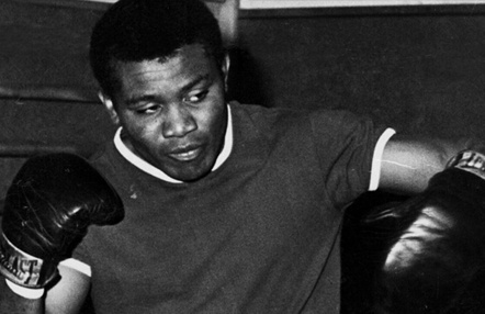 José Legrá, excampeón mundial de boxeo, lucha contra el coronavirus