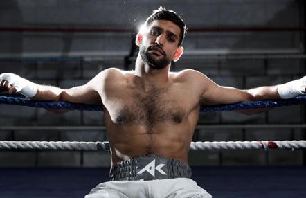 La teoría conspiratoria del boxeador Amir Khan sobre el coronavirus y su labor solidaria
