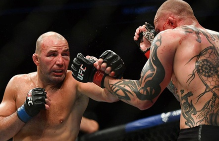 Glover Teixeira derrota a Anthony Smith en UFC Jacksonville