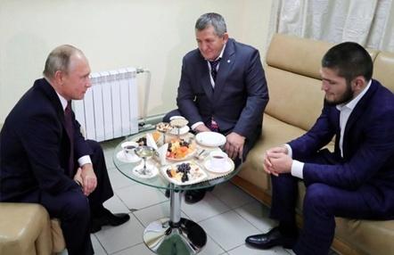 Putin promete ofrecer los mejores cuidados al padre de Khabib